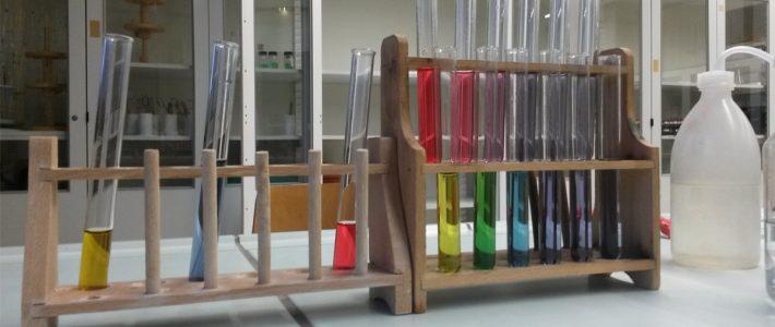 Qualitative und Quantitative Analytik – Bilder aus dem Schullabor
